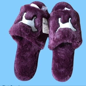 NWT Pink slippers size large